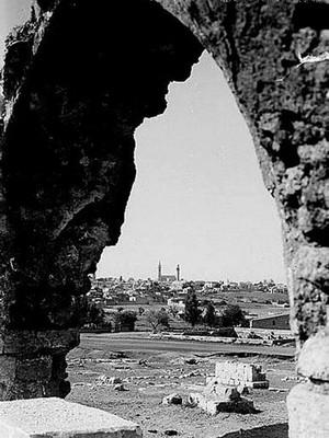 http://alhayatlilatfal.net/Files/art_image/1/oldpictures/16.jpg